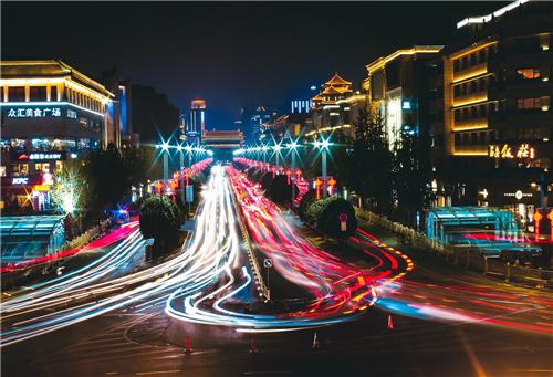 """繁荣城市夜经济,如何打通""""最后一公里""""?"""